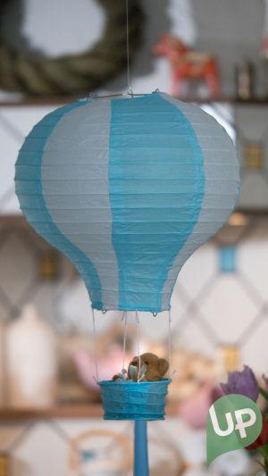 Kuvassa koriste kuumailmapallo.