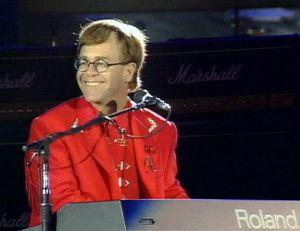 Elton John esiintyy Freddie Mercuryn muistokonsertissa