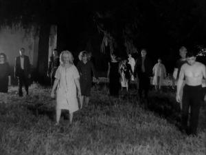 Zombeja pellolla elokuvassa Night of the living dead