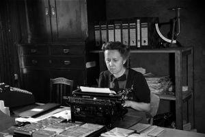 Sekreterare på tryckeri år 1944.