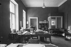 Kontor på Akademiska bokhandeln år 1921.
