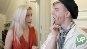 Kuvassa Krista Kortelainen (Thelma Siberg) ja Karri Palomäki (Eemu Korpela)
