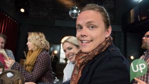 Kuvassa Krista Kortelainen (Thelma Siberg) ja Tomi Karhu (Antti Väre).