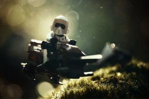 Lego Stormtrooper aluksen kyydissä.
