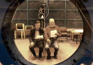 Pekka Autiovuori (Lamm) ja Kauko Helovirta (Hamilton-Jones) äänitysstudiossa.