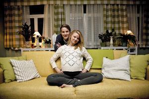 Kuvassa Jani Hellemaa (Valtteri Lehtinen) ja Vilma Haavisto (Rosa Hautala).