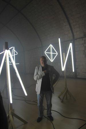 Christian Boltanski och konstverket Signatures.