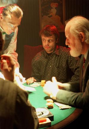 Niklas Häggblom och Göran Schauman spelar poker i Vägsjälar, 1998