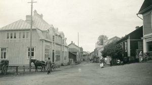 En gammal bild över Köpmansgatan i Pargas