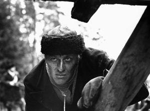 Aarno Sulkanen näyttelee Akseli Koskelaa (1968).