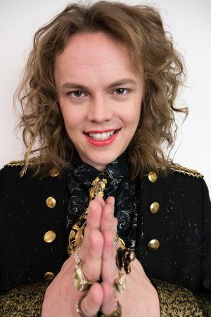 Kuvassa Tomi Karhu (Antti Väre).