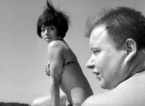 Anneli Sauli ja Jukka Sipilä elokuvassa Käpy selän alla.