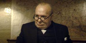 Winston Churchill sotakabinetin istunnossa