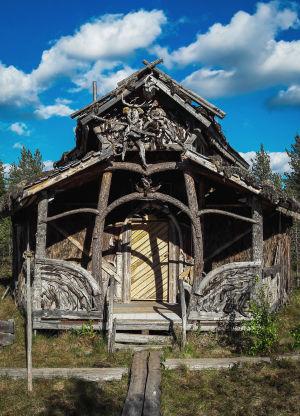 Omatekoinen sauna, Turvekammi, suolla Kammi-kylässä Nummijärvellä.