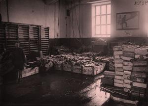 Asevarasto Helsingin Työväentalolla 1918