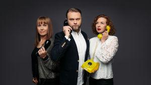 Yle Puheen Aktin toimittajat Samppa Korhonen, Heidi Laaksonen ja Tiina Lundberg.