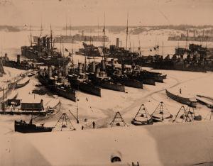 Venäläisiä sotalaivoja Helsingin Pohjoissatamassa maaliskuussa 1918
