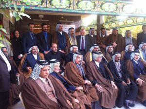 Hussein al-Taee möter klanledare i Irak.