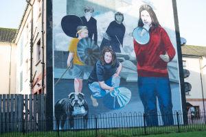 Bogsidessa Pohjois-Irlannin levottomuuksien muisto on yhä kipeä, sillä monet menettivät niissä läheisiään.