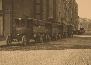 Saksalaisia sotilasajoneuvoja Helsingissä 1918.