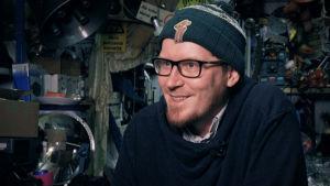 Antti Ahonen hymyilee.