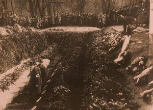 Saksalaisten sotilaiden hauta Vanhassa kirkkopuistossa 1918.