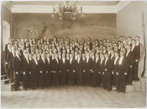 Ylioppilaskunnan Laulajat Vanhan musiikkisalissa 1906-1908.