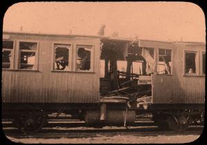 Tuhottu junanvaunu.