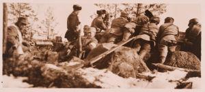 """Kuularuiskuasema """"Pääkallovuorella"""" Mäntyharjulla Turkinkylän taistelupäivänä 6.4.1918."""