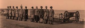 Punakaartin naissotilaita Uuraassa 1.5.1918.