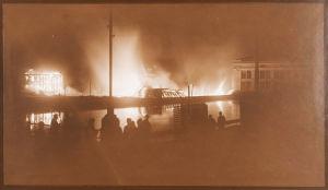 Varkauden tehtaat palavat helmikuussa 1918.