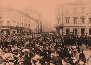 Valkoisten paraati Helsingissä 1918.