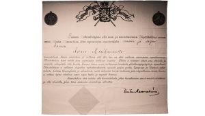 Todistus vapaussodan muistomitalista säveltäjä Aarre Merikannolle, allekirjoittanut Kustaa Mannerheim 1918.