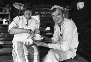 Sirkka Gustafsson ja Jaakko Kolmonen luotsasivat Patakakkosta ja Kesäkeittiötä Veijo Vanamon poistuttua ruudusta.