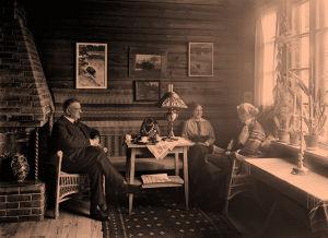 Jean ja Aino Sibelius ja Ruth Snellman Ainolassa 1915.