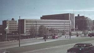 Posthuset från Riksdagshusets håll, 1952.