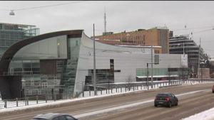 Konstmuseet Kiasma från Riksdagshusets riktning