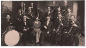 Vaasan Työväenyhdistyksen jousiorkesteri 1929.