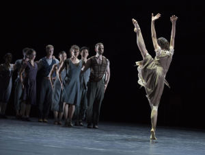 "Ballet Rheinin ""Petit Messe solenelle"" -esitys."