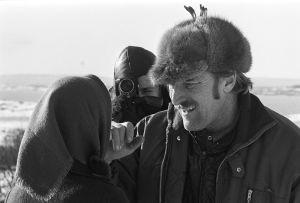 Rose-Marie Rosenback och Åke Lindman, i bakgrunden en kameraman
