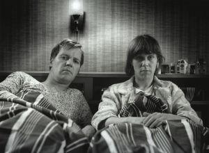 Immu (Ilmari Saarelainen) ja Tuija (Tuija Ernamo) tv-sarjassa Sisko ja sen veli (1985).