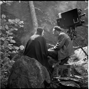 Ingmar Bergman keskustelee kuoleman kanssa.