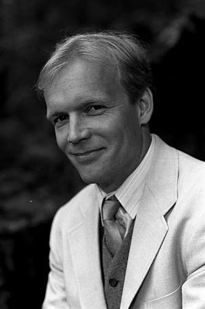 Kari Heiskanen Huojuvassa talossa (1988).