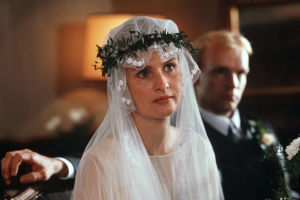 Sara Paavolainen ja Kari Heiskanen Huojuvassa talossa (1988).