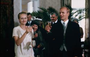 Ote Huojuvan talon tv-dramatisoinnista (1988).