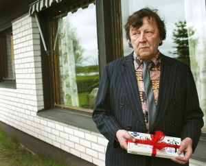 Sulevi Peltola Tuulikaappimaassa (2003).