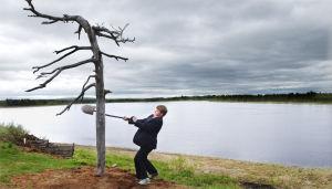 Hannes Suominen Tuulikaappimaassa (2003).