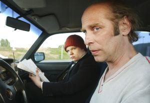 Hannes Suominen ja Vesa Vierikko Tuulikaappimaassa (2003).