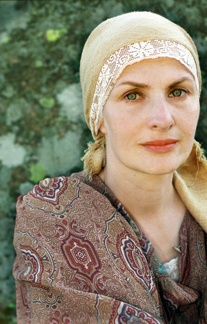 Sara Paavolainen (Venny Soldan) tv-draamassa Venny (2003).