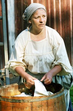 Tarja Keinänen (Heta) tv-draamassa Venny (2003).